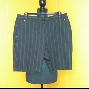 Gents pinstripe bermuda shorts sz 10